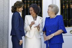 King Felipe, Queen Letizia, King Juan Carlos and Queen Sofia hosted a private lunch for  Princess Beatrix of the Netherlands at Zarzuela Palace on May 27, 2016. Thorton/PPE/NewsPictures