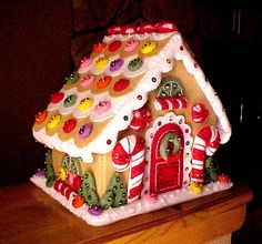 Gingerbread House of felt by lakeladyjeanne, via Flickr {so much better than a real gingerbread house!}