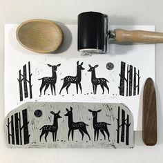 Pulled another linocut illustration for a client and I can finally get some sleep. If you need a handmade illustration DM me a note. Good night, peeps! . . . #printmaking #printmaker #printisnotdeadyet #reliefprint #engraving #grafika #grafikawarsztatowa #linocut #linocutprint #illustration #artprint #printmaker #ilustracja #2am #deer #jelonki #sarenki #zuza_misko