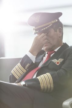 Can Pilots Have Successful Relationships? Airline Pilots Sound Off Don Papa, International Civil Aviation Organization, Pilot Wife, Commercial Pilot, Airline Reservations, Cheap Air Tickets, Airline Pilot, Last Minute Travel, Successful Relationships