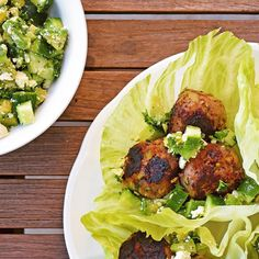 Zucchini Meatball Cups with avocado and cucumber salad Zucchini Meatballs, Cucumber Salad, Salmon Burgers, Avocado, Cups, Cooking Recipes, Sugar, Ethnic Recipes, Food