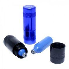 N2O cracker, ook wel lachgascracker genoemd, is een dispenser voor N2O Distikstofoxide (lachgas). Hiermee open je eenvoudig een slagroompatroon en het N2O gas ontsnapt meteen en is een uitkomst voor iedere recreatieve gebruiker van lachgas/slagroom patronen!