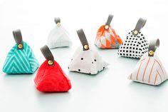 DIY: lavender sachets / Faça você mesmo: sachês de lavanda