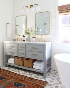 Modern Farmhouse, Rustic Modern, Classic, light and airy master bathroom design some ideas. Bathroom makeover suggestions and master bathroom renovation ideas. Bathroom Renos, Bathroom Interior, Remodel Bathroom, Bathroom Remodeling, Remodeling Ideas, Bathroom Vanities, Grey Bathroom Vanity, Master Bath Vanity, Interior Livingroom