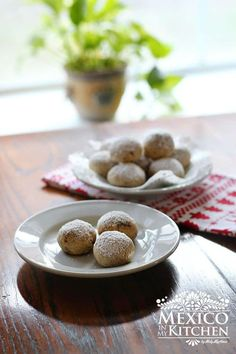 Wedding cookies were our first choice for Christmas cookie baking, they are so easy to make and your kids will enjoy making them too. Authentic Mexican Recipes, Mexican Food Recipes, Cookie Recipes, Mexican Desserts, Sweet Desserts, Baking Recipes, Hispanic Dishes, Baking Bad, Mexican Bread