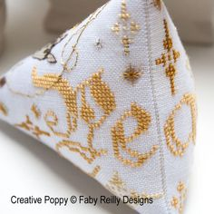 Faby Reilly - Nativity Humbug zoom 3 (cross stitch chart) $6.99
