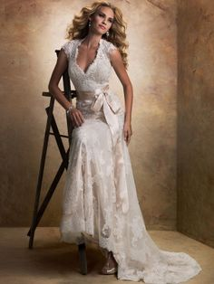 V-neck Lace Wedding Dresses