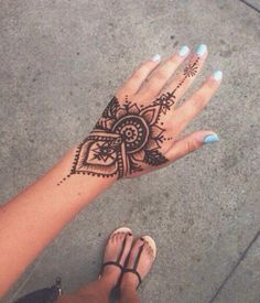 I drew one of these henna tattoos on me the other day... extremely intricate, but that's what makes henna beautiful.