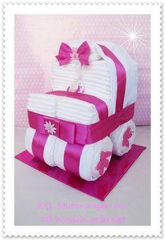 Windeltorte Stubenwagen XXL Windeltorte pink von Geschenke-Eckle auf DaWanda.com
