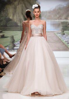 Atelier Aimée - Atelier Aimée San Marino collezioni moda abiti da Sposa ed accessori