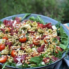 Tuna Salad Pasta, Summer Pasta Salad, Avocado Pasta, Pasta Salad Italian, Macaroni Salad, Pasta Salad Recipes, Mediterranean Chickpea Salad, Carpaccio, Greek Pasta