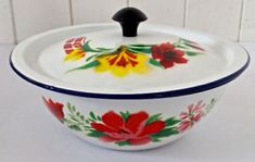 Enamel Ware, Oeuvre D'art, Cats, Kitchen, Collection, Pewter, Kitchen Items, Vintage Crockery, Antique Dishes