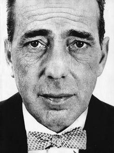 what a captivating photo.... Richard Avedon - Humphrey Bogart 1953