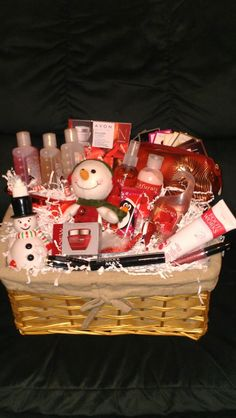 Avon products make great gift baskets! Avon Gift Baskets, Christmas Gift Baskets, Birthday Gifts For Sister, Jar Gifts, Homemade Gifts, Holiday Gifts, Avon Products, Ding Dong, Makeup Bouquet