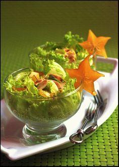 Avocado and carambola salad