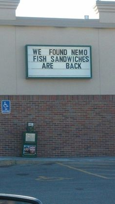 Why these signs exist the world may never know (34 Photos)