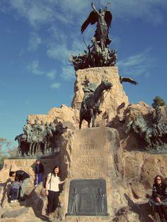 """""""""""Cerro de La Gloria"""""""" en el Parque San Martin, de la ciudad de Mendoza - Argentina -"""
