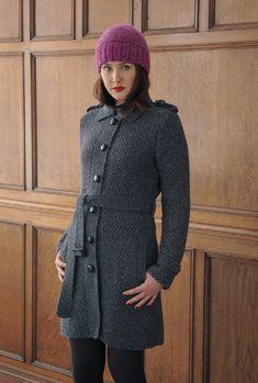 Вязание пальто тренч Lyleиз книги Quirky.