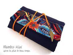 Protège livre de poche ethnique avec rabat ajustable en lin bleu marine, fait main 23,50€