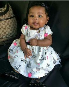 cute black baby girl in dress Cute Mixed Babies, Cute Black Babies, Black Baby Girls, Beautiful Black Babies, Cute Little Baby, Baby Kind, Pretty Baby, Cute Baby Girl, Beautiful Children