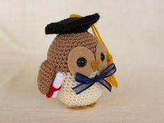 Graduation Owl Crochet Pattern Owl Amigurumi by TheLoftyLoop Owl Crochet Patterns, Crochet Birds, Cute Crochet, Crochet For Kids, Crochet Animals, Crochet Crafts, Crochet Stitches, Crochet Projects, Knit Crochet