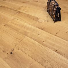 Providence Engineered Flooring 15/4 x 190mm Oak Brushed and Oiled 1.14m2 - from Discount Flooring Depot UK. From only £29.99 per m2.