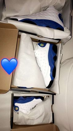 Best Sneakers, Sneakers Fashion, Shoes Sneakers, Men's Shoes, Jordan Shoes Girls, Girls Shoes, Shoes Wallpaper, Foams Shoes, Christmas Shoes