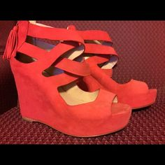 Dolce Vita Red Strappy Wedges Size 7 Dolce Vita Red Strappy Wedges Size 7 The soles are a little dirty other than that, they are in excellent condition. See photos. Dolce Vita Shoes Wedges