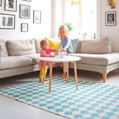 Hoy os presento las alfombras vinílicas que están revolucionando el mundo de la decoración infantil y de adultos. Estas alfombras tienen algo muy especial, está