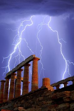 Lightening   Greece