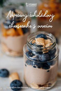 Skvelý dezert, ktorým môžeš ponúknuť aj návštevy. Hotový je do 10 minút, potom ti stačí ho už len dať schladiť. Použi ovocie, aké je práve v sezóne. Cereal, Cheesecake, Breakfast, Fit, Recipes, Cheesecake Cake, Breakfast Cafe, Cheesecakes, Rezepte