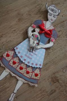 Mother's Day doll by Catherine Moore working with stamps from the Beekeeper's Tea collection from Character Constructions. Michelangelo, Paper Art, Paper Crafts, Diy Crafts, Origami Shirt, Paper Puppets, Paper Dolls Printable, Art Dolls, Dolls Dolls
