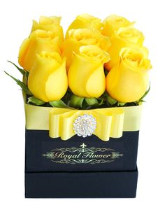 ♛ Gold Box ♛ Royal Flower Rose Box Toronto Branch Provides the best, luxury and elegant rose boxes in Canada