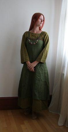 Authentic Viking Maiden 2 by mizzd-stock on DeviantArt Viking Reenactment, Viking Costume, Medieval, Viking Wedding, Viking Clothing, Viking Woman, Historical Costume, How To Look Pretty, Vikings