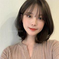 Korean Short Hair Bangs, Korean Bangs Hairstyle, Asian Short Hair, Short Hair With Bangs, Hairstyles With Bangs, Korean Medium Hair, Ulzzang Short Hair, Japanese Short Hair, Asian Bangs