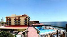 Situado junto al mar, el Hotel Cubanacan Copacabana forma parte del Residencial Reparto de Miramar