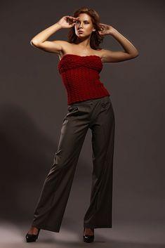 Ručně pletený korzet – MOLO7 Capri Pants, Fashion, Moda, Capri Trousers, Fashion Styles, Fashion Illustrations