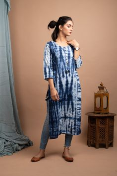 Simple Kurti Designs, Kurti Neck Designs, Kurti Designs Party Wear, Stylish Dress Designs, Modest Dresses, Stylish Dresses, Cotton Dress Indian, Pakistani Dresses Casual, Indian Dresses