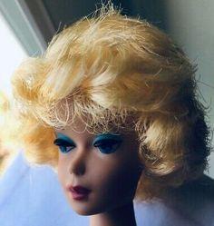 STUNNING! VINTAGE BLONDE Bubble Cut Barbie Doll Mint! *1DAY* - $30.00 | PicClick Honey Blonde Hair, Pale Blonde, Blonde Hair Blue Eyes, Brunette To Blonde, Platinum Blonde, 2 Tone Hair, Midge Barbie Doll, Vintage Redhead, Pretty Redhead