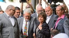Rolf Harris Spending His First Day In Prison - http://www.4breakingnews.com/uk/rolf-harris-spending-his-first-day-in-prison.html