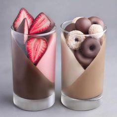 Yummy Drinks, Delicious Desserts, Yummy Food, Fancy Desserts, Food Design, Design Design, Sweet Recipes, Vegan Recipes, Vegan Food