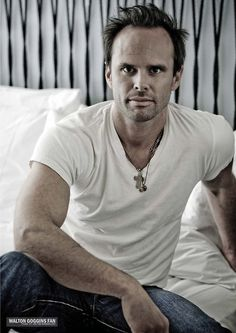 Walton Goggins.  People who think he's beautiful are completely justified.