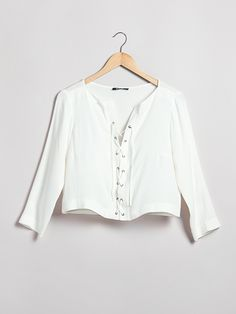 Off white colored blouse in a woven, airy fabric with bow in front. | 60s | www.ginatricot.com | #ginatricot