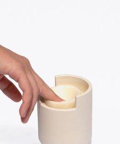Júlia Roca Vera turns food waste into skincare range. Clay Jar, Animal Bones, Eat Fruit, Orange Oil, Food Waste, Skin Care, Green Products, Product Design, Environment