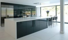 Kitchen, Awesome Black Acrylic High Gloss Kitchen Cabinets With White Countertop In Modern Open Plan Kitchen Decor Ideas: Luxurious High Glo...
