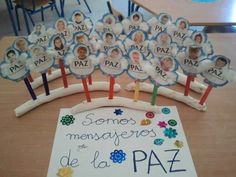 dia de la paz educacion infantil - Buscar con Google Preschool Crafts, Crafts For Kids, Ideas Para, Activities For Kids, Triangle, Religion, Google, International Day Of Peace, Toddler Arts And Crafts