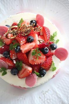 イチゴたっぷりのレアチーズケーキ。 by 栁川かおり / レシピサイト「ナディア / Nadia」/プロの料理を無料で検索