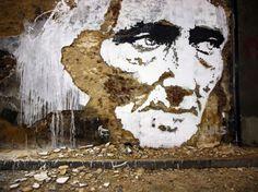 1 Sometimes called street art, reverse graffiti, or an architectural sculpture…whatever the case, Portuguese artist Alexandre Farto 's v. 3d Street Art, Street Art Painting, Street Art Artiste, Street Art Utopia, Urban Street Art, Street Art Graffiti, Street Artists, Urban Art, Wall Street