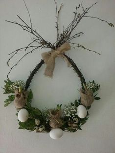 Easter decoration with burlap and twigs., Easter decoration with burlap and twigs. Easter Projects, Easter Crafts, Easter Wreaths, Christmas Wreaths, Christmas Rose, Tissue Paper Flowers, Spring Crafts, Floral Arrangements, Diy And Crafts