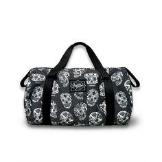 Skull Pattern Duffle Bag #skulls #BlackAndWhite #halloween #WomenBags #terror #scary #duffle #SugarSkulls